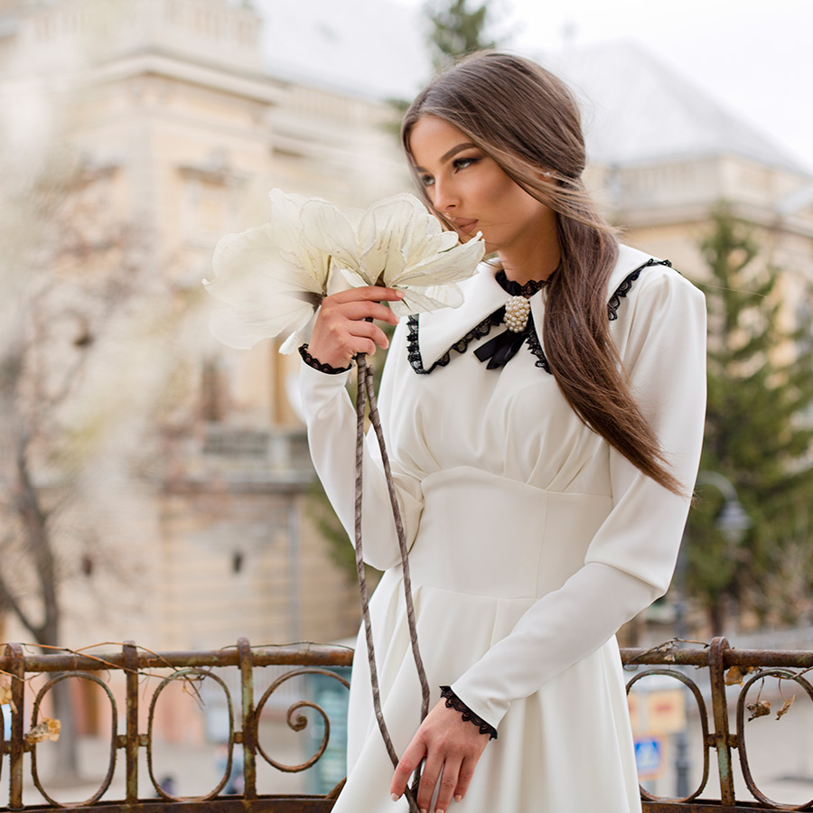 Rochie alba Nadia din tesatura din fibre naturale